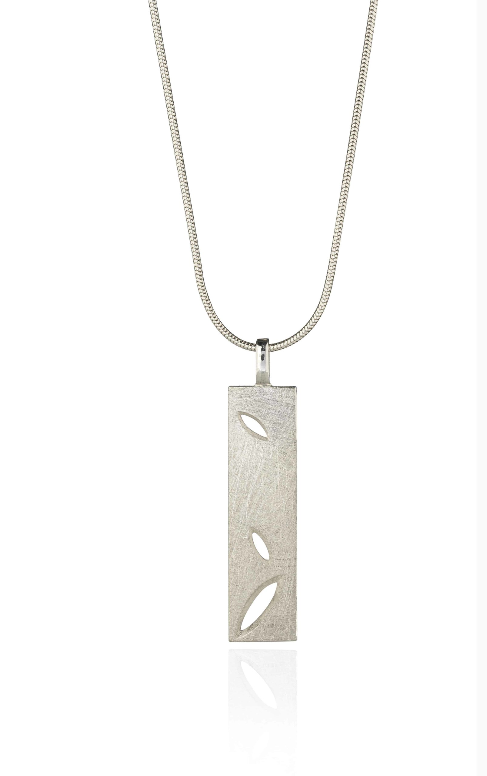 Product Silver Lace Leaf Oblong Pendant Jewellery